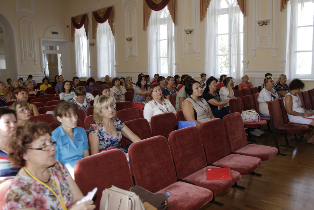 8 августа 2016 года в Гимназии №3 состоялось республиканское совещание по образованию на тему «Общее образование».
